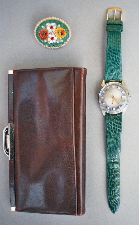 #greenwatch #sixtieswatch #mechanicwatch #leatherwallet