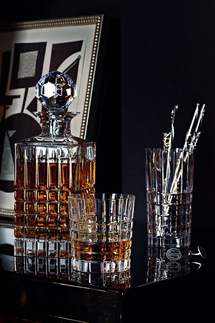 Plaid decanter, double old-fashioned glass and highball glass in hand-cut crystal.