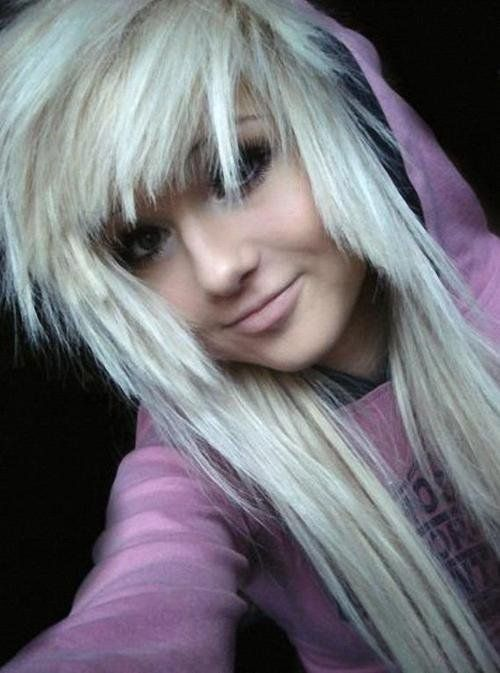 I wish i could pull off blonde edgy hair... but my face would suck with it. :/
