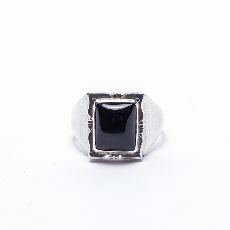 Check out this Onyx Men's Ring by Navajo artist Phyllis Smith! $60.00 https://www.oldtownjewels.com/best-selection-of-native-american-jewelry/rings/navajo-artist-phyllis-smith-onyx-ring/
