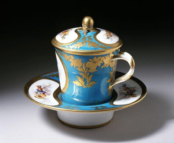 Trembleuse Sèvres Porcelain Manufactory (France, Sèvres, founded 1756-present) Etienne-Jean Chabry (France, active 1764-1787, before 1749-after 1787) France, Sèvres, circa 1776