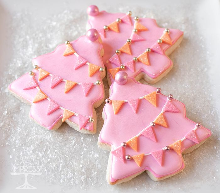 DIY Pink Christmas Tree Cookies with Fondant Pennants. Marilyn Johnson, Sweets To Impress.