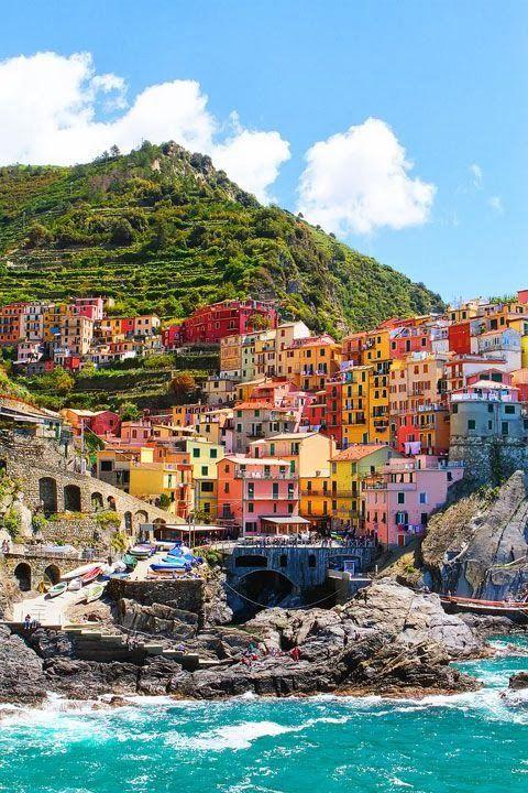 Riomaggiore, Italy. Admired by www.visit-vallarta.com
