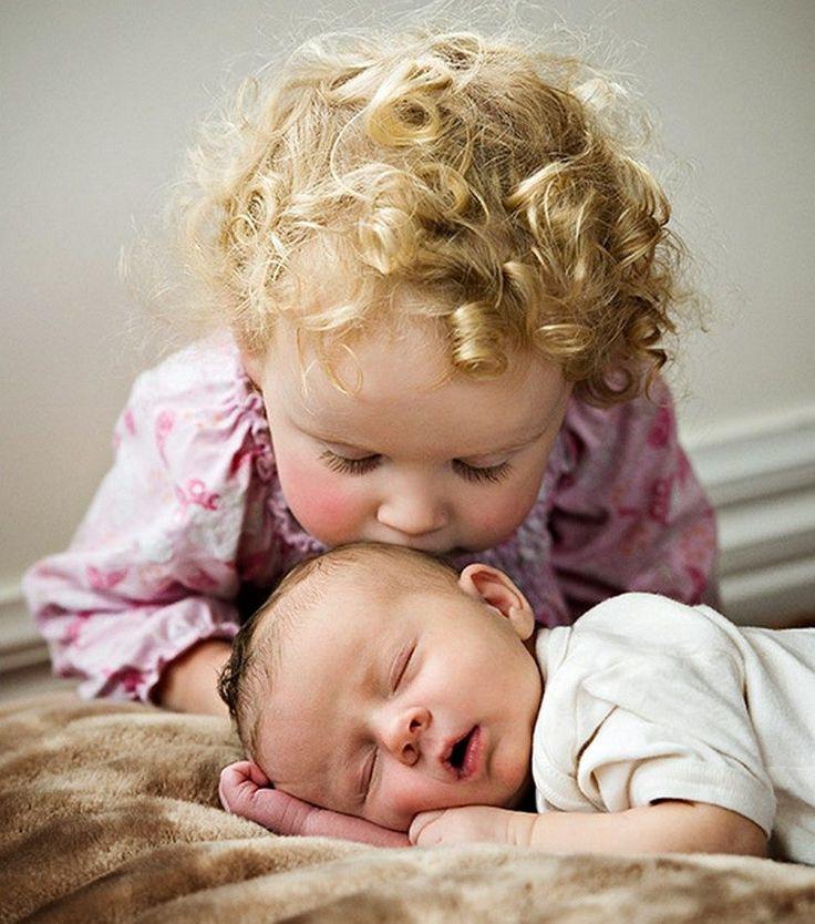 Двое малышей картинки