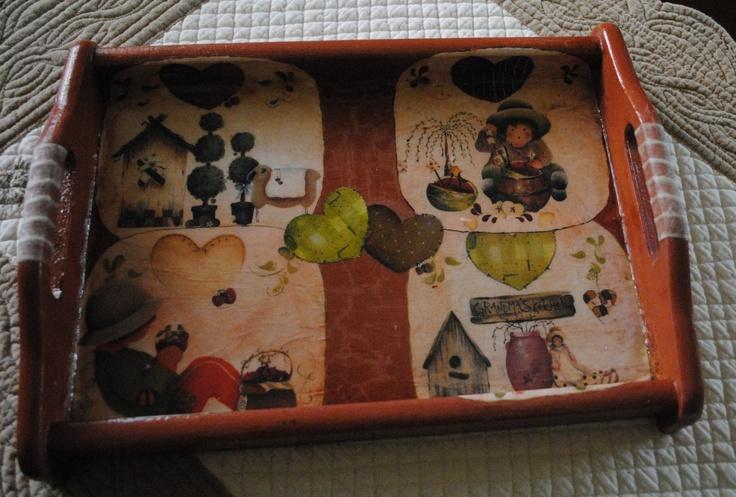 Handmade tray #handmade #fantasy #decoupage #tray #vassoio #carta #cuori #utilità #casa #home