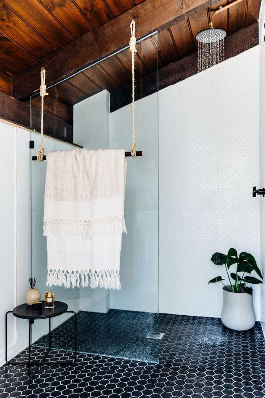 A space saving idea for towel rails in your en-suite? – – #Genel – Wohnzimmer dekor