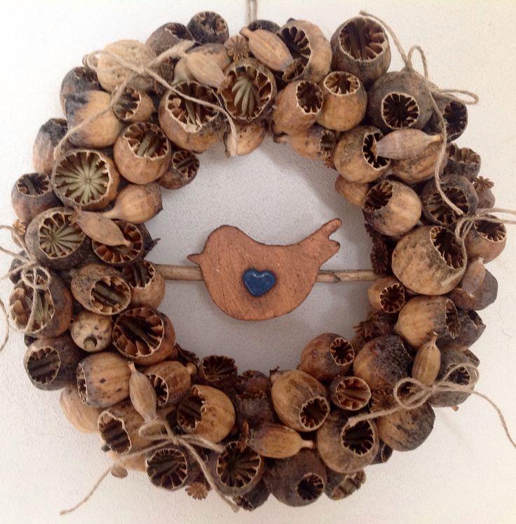 Poppy head wreath