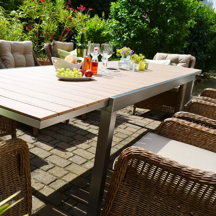 Dank Acht Schonen Rattansesseln Und Einem Verlangerbaren Tisch Wird Es Hier Nicht So Schnell Eng Gartengarnituren Naturfarben Polyrattan Sessel
