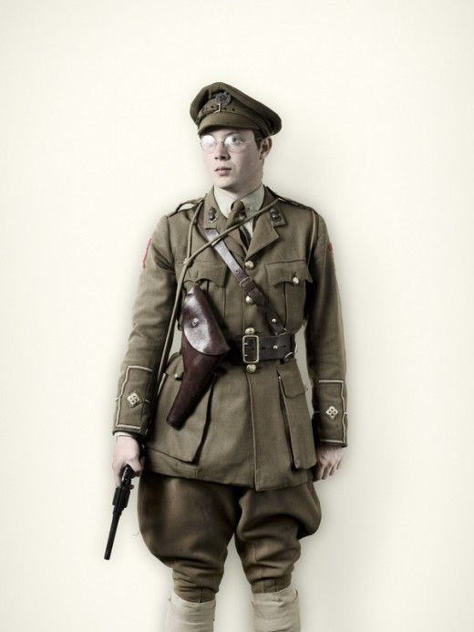 O To Ww Bing Com25 30: First World War British Officer In Service Dress With Sam
