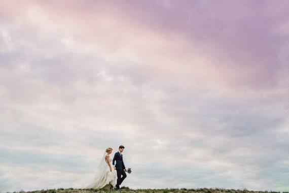 Modern Omaha Nebraska wedding | Photo by The Mullers | Read more -  http://www.100layercake.com/blog/?p=84719