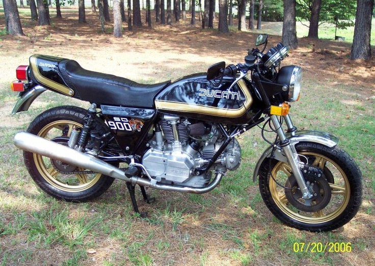 1980 Ducati Darmah.. I recieved this in a crate from Ducati Bologna...  I fitted Conti pipes for sound and responsiveness...(Not shown)  Displacement:864.00 ccm (52.72 cubic inches)  Engine type:V2 Desmodromic valve system, Four Stroke...  Power: 70.00 HP (51.1 kW)) @ 7000 RPM  Top speed: 200.0 km/h (124.3 mph)