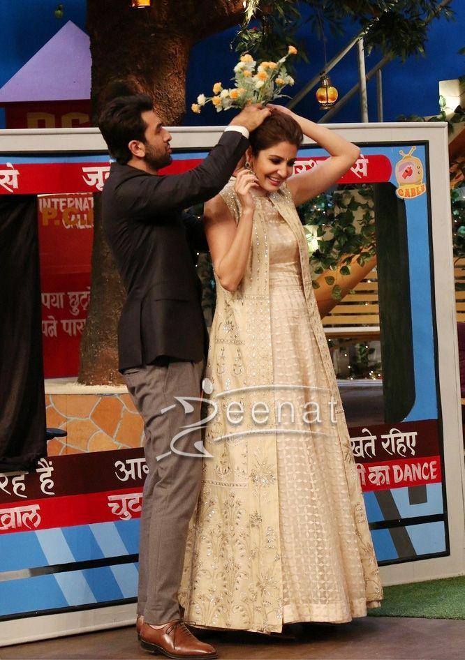 #Anushkasharma In #AnitaDongre for #Aedilhaimushkil promotions with #RanbirKapoor #AishwaryaRai and #FawadKhan