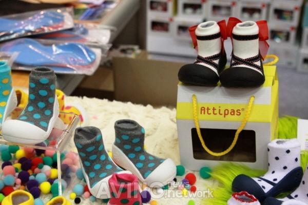 Attipas Functional Toddler Shoes in Polka Dot & Ballet