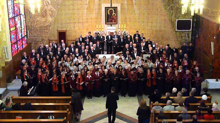 Koncert finałowy w kościele św. Wawrzyńca. Przed publicznością 7 połączonych chórów, niemal 250 śpiewaków.