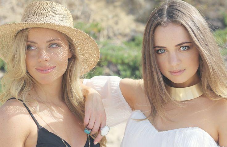 Bohemian Voyage – StyleGodis Photoshoot featuring vintage and new clothing in a bohemian, free-spirited setting: the Malibu rocks