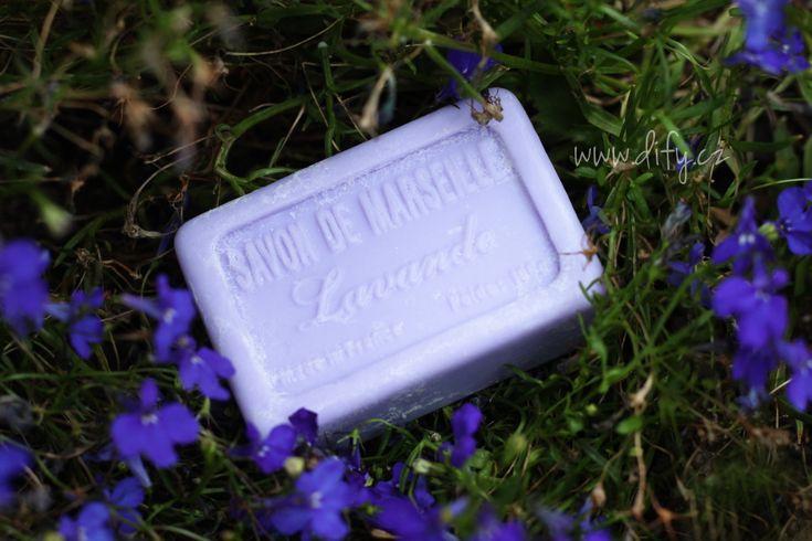 Není to tak dlouho, co jsem tady chválila obyčejné mýdlo vyráběné tradiční…