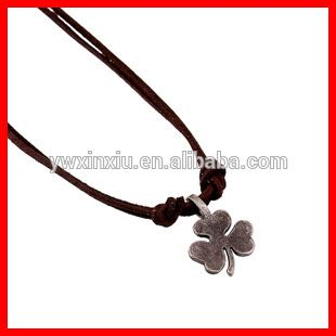 Hot Selling Four Leave Pendant Necklace Vintage Ant Silver Metal Pendant Leather necklace jewelries