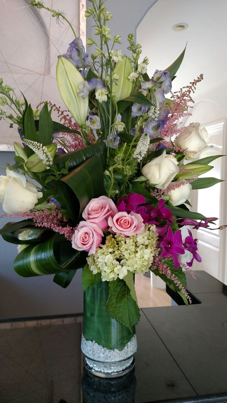 Send Mixed Bouquet in Encinitas, CA from Floral Design by Ari, the best florist in Encinitas. All flowers are hand delivered and same day delivery may be available.