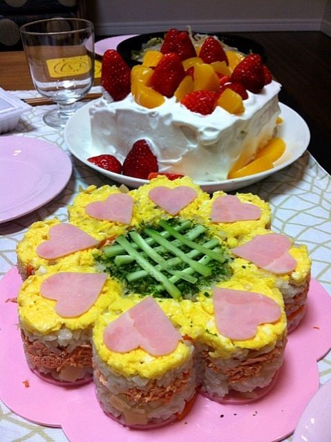 お花の型を使って、チラシ寿司を可愛くアレンジ♪ - 15件のもぐもぐ - お花の押し寿司 by R1N