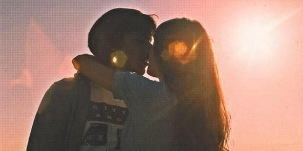 5 Tried-And-True Flirting Tips For Attracting ANY Guy