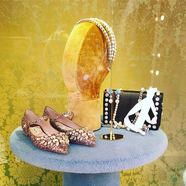 Christmas gifts inspiration | Christmas outfit inspiration | Luxury goods | Luxury bags | Luxury Accessories | Luxury Shoes | Miu miu | Luxury lifestyle | Exclusive | Glitter | Miumiu