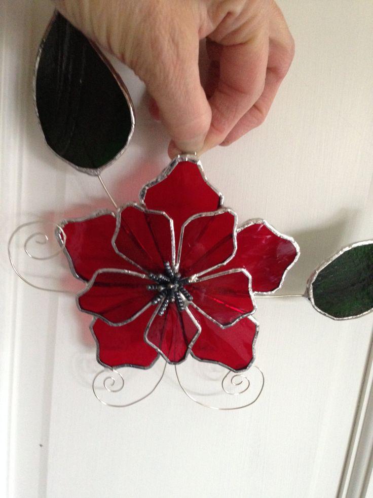 Suncatcher vidrieras flor rojo por ILoveStainedGlass en Etsy