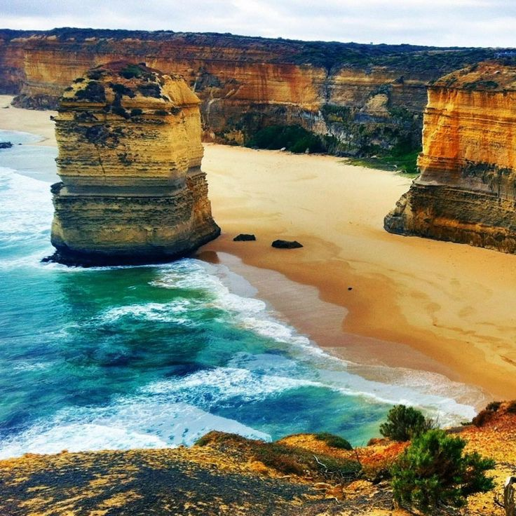 The Twelve Apostles, Port Campbell National Park, Victoria, Australia / Скалы 12 апостолов, Национальный парк Порт-Кэмпбелл, штат Виктория, Австралия