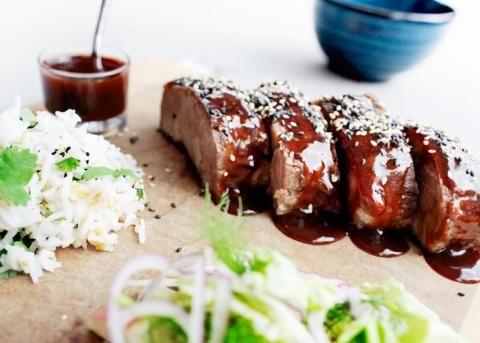 Asiatisk svinenakke med sitrongress, chili og ingefær - ble svært vellykket!