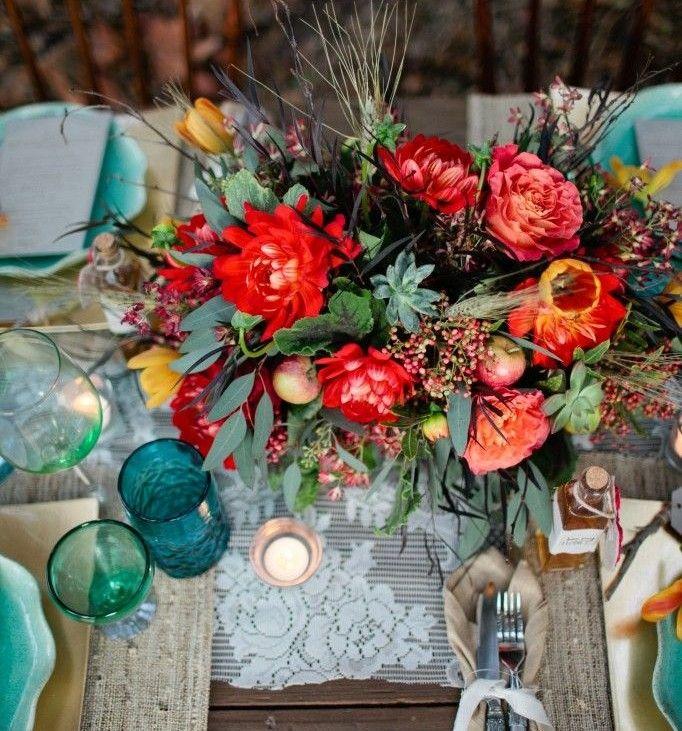 Abuse das Cores A mistura é a grande diferença entre um casamento Boho e os demais. Abuse das cores fortes, deixando sua festa mais alegre!