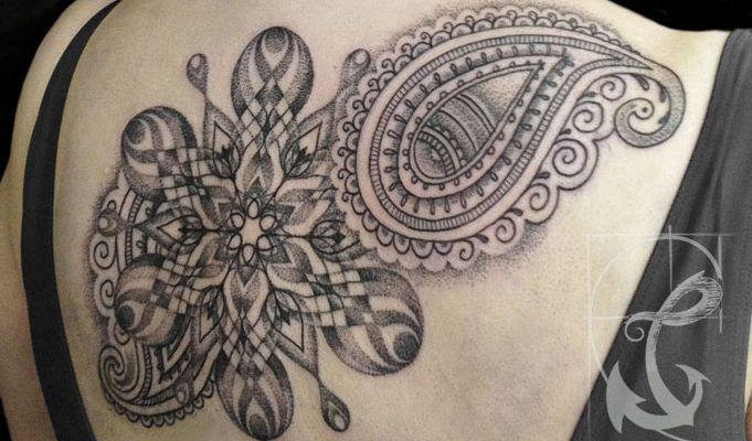 http://girlsandtattoos.de/sonja-punktum-tattoo/  Sonja Punktum / Punktum Tattoo / Köln|Hamburg