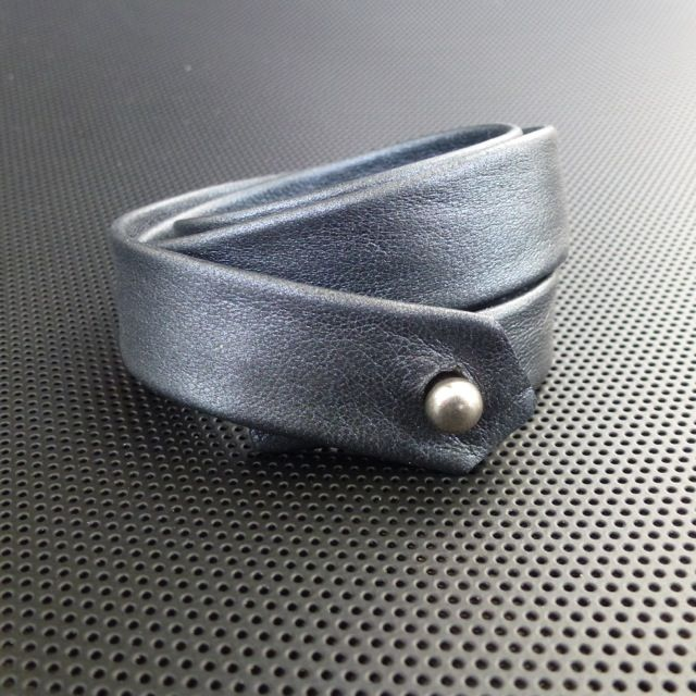 Bracelet,wraps3(soft greyblack nappa leather)Made by UNNI HOFF
