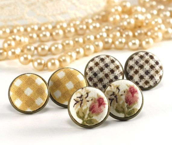 Stud Earrings Monday Tuesday Thursday от PatchworkMillJewelry
