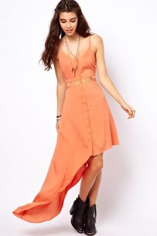 ASOS – Sommerkleid mit Zierausschnitten an der Taille und asymmetrischem Saum