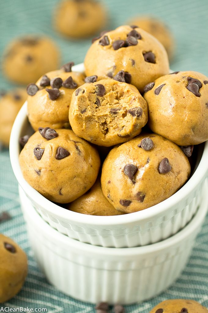Chocolate Chip Cookie Dough Protein Bites - Only three ingredients and 5 minutes is all you need to make these gluten free, vegan and paleo treats!