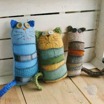 Excellent idea to recycle an old sweaters