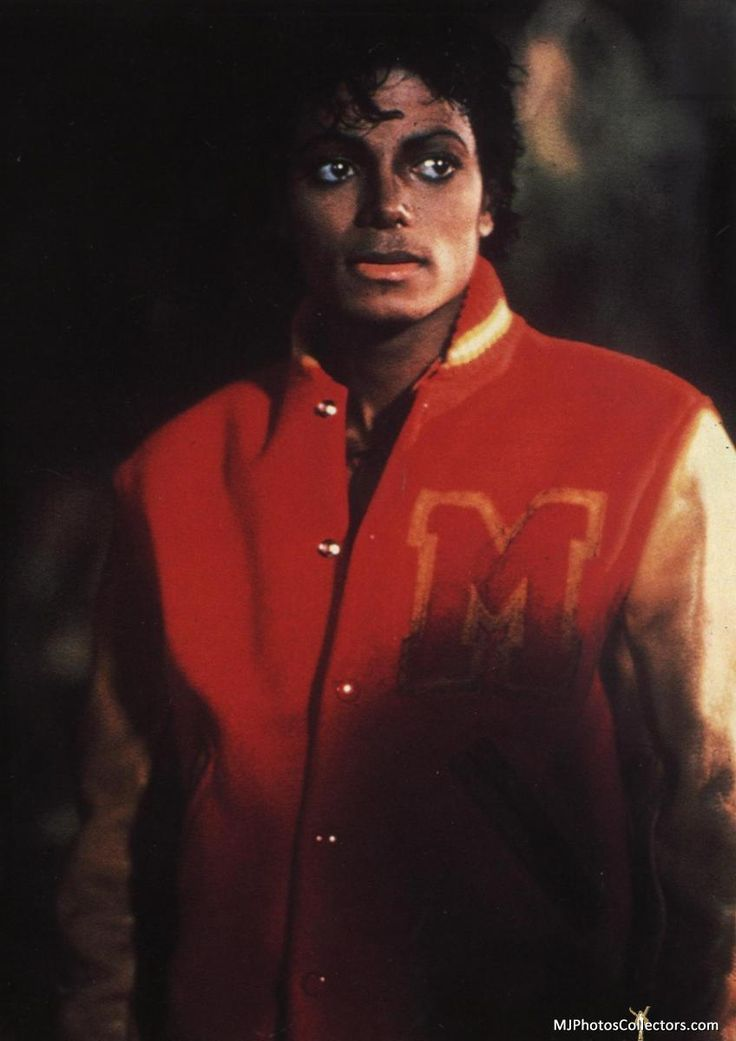 Michael Jackson's 1982 album Thriller is the best selling album of all time.His other albums, including Off the Wall (1979), Bad (1987), Dangerous (1991), and History (1995), also rank among the world's best selling albums. Jackson is one of the few artists to have been inducted into the Rock and Roll Hall of Fame twice.
