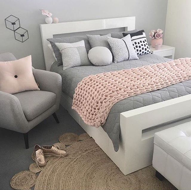 A Pretty Grey And Pink Bedroom   If I Canu0027t Convince The OH To A Horsey Room,  That This Colour Scheme Is Totally It!