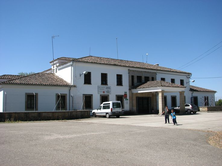 La Casa de los Pescadores oque hoy es Albergue Educativo en el Poblado del Pantano Gabriel y Galán.