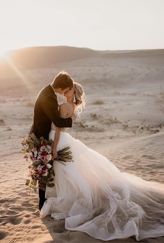 45 Popular Wedding Photo Ideas To Save Memories Beach Wedding Photos Wedding Photos Vintage Wedding Photography