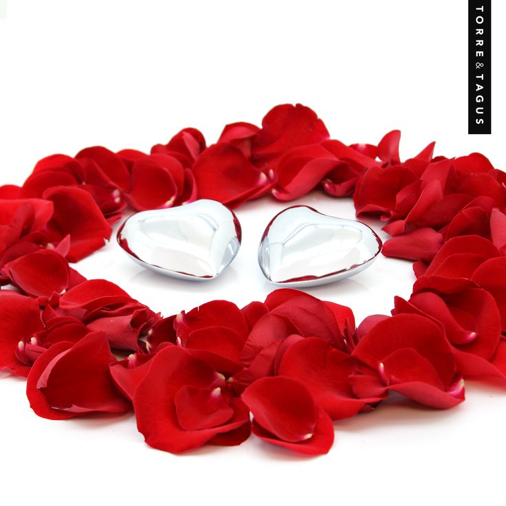 Give your heart away this Valentine's with our Heart Charm.  Gift wrap it with rose petals for that special romantic touch! #TorreAndTagus #ValentinesDay #HeartCharm www.torretagus.com