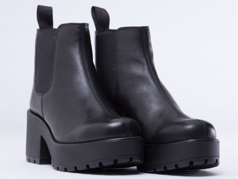 Vagabond Dioon 701 in Black at Solestruck.com
