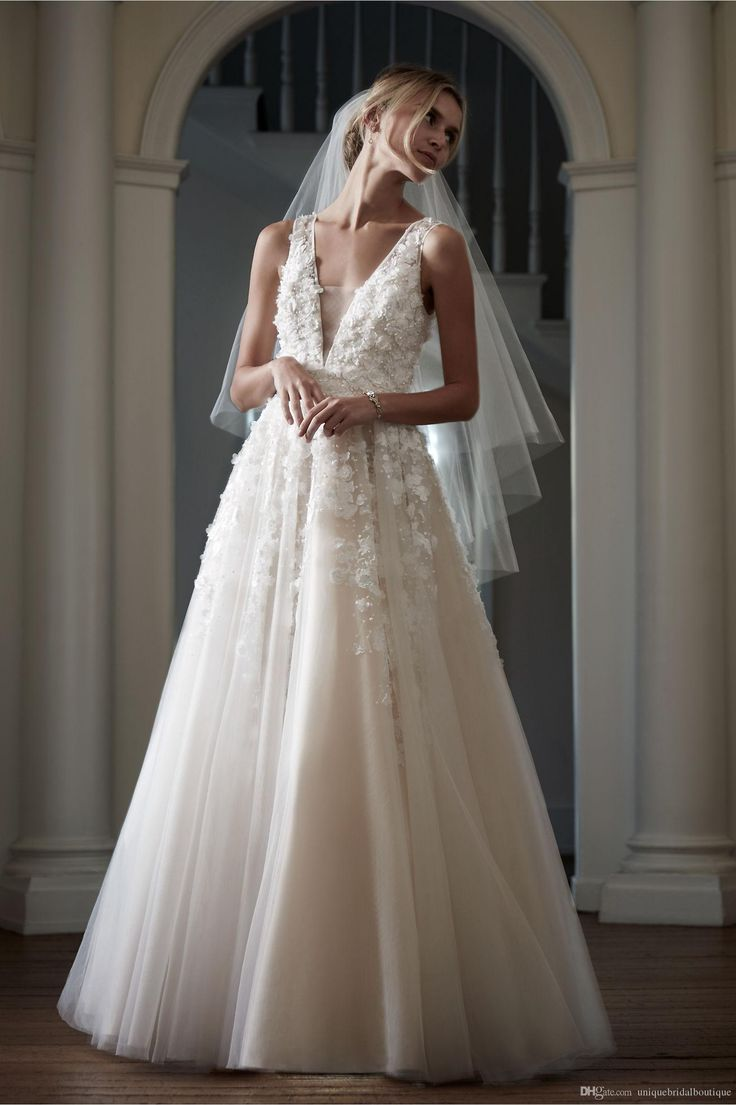 2016 Bhldn 3D Floral Wedding Dresses with Free Veil and Deep V Neck Handmade Flowers Pearls Tulle Light Champagne Bridal Gowns Custom Made