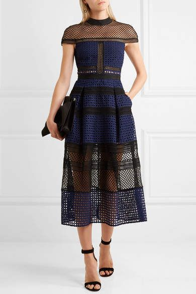 Wow...this dress is absolutely stunning. I love a dress that that has a good structure. #dress #affiliate