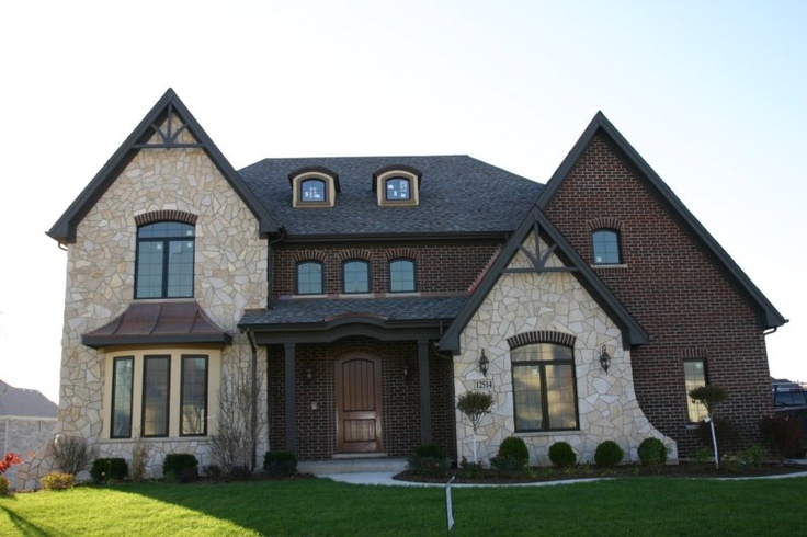 17 best images about house ideas on pinterest house for Stucco and siding combinations