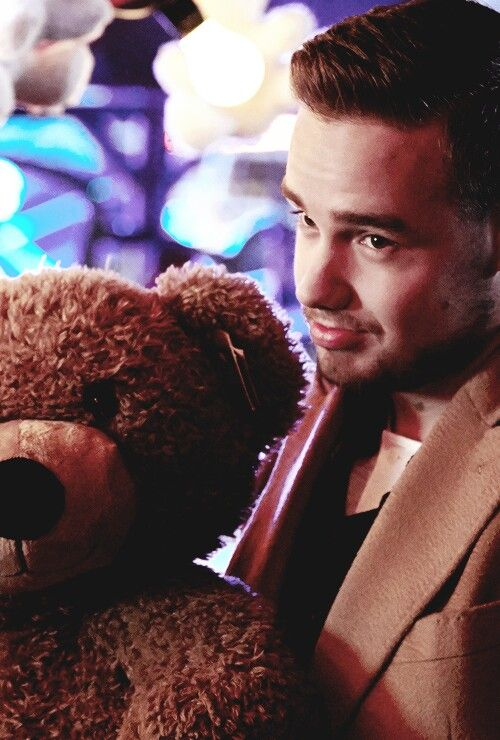 Favourite picture of Liam because he's holding A FREAKING TEDDY BEAR. HOW CAN YOU NOT LOVE THAT!? It's absolutely adorable