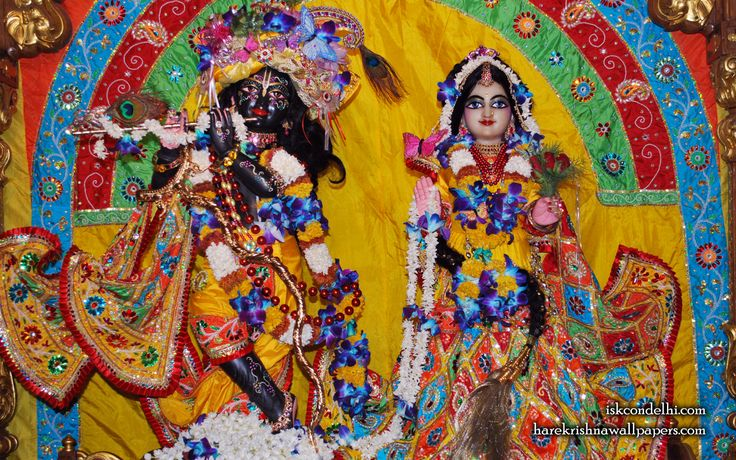 To view Radha Parthasarathi Wallpaper of ISKCON Dellhi in difference sizes visit - http://harekrishnawallpapers.com/sri-sri-radha-parthasarathi-iskcon-delhi-wallpaper-012/