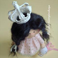 Моя хулиганистая девчонка завтра улетает в Мадрид)) #кукла #кукланазаказ #рукоделие #ручнаяработа #ручнаяработаназаказ #шитье #подарок #творчество #своимируками #свадьба #ragdoll #doll #decor #dollstagram #fabric #fabricdoll #textile #gift #hobby #hermosa #muñeca #waldorf #waldorfdoll #handmade #handmadedoll #handmadeshoes #sewing #tilda #princess