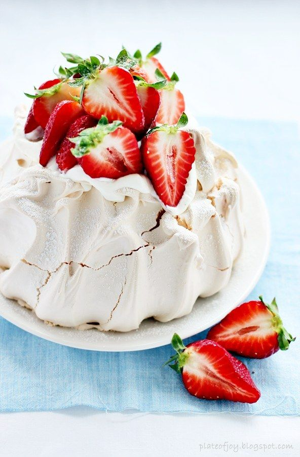 strawberry pavlova strawberry fields nuno pavlova recipe cake party ...