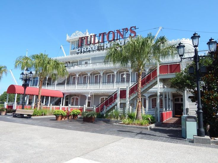 All Aboard for Fantastic Fare at Fulton's Crab House!