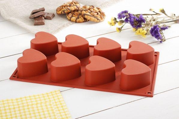 Forma silikonowa do 8 muffinek SILIKOMART CUORE